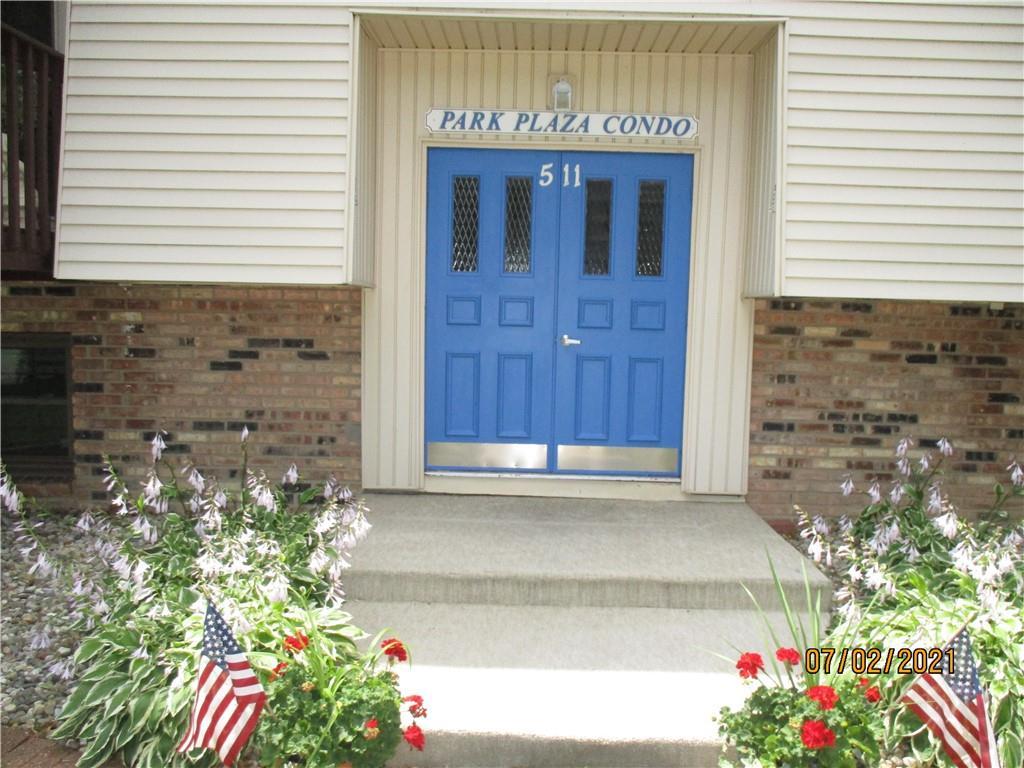 511 Broadway Avenue #204 Property Photo 1