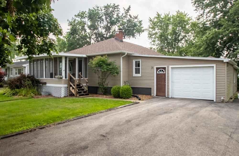 208 Douglas Street Property Photo 1