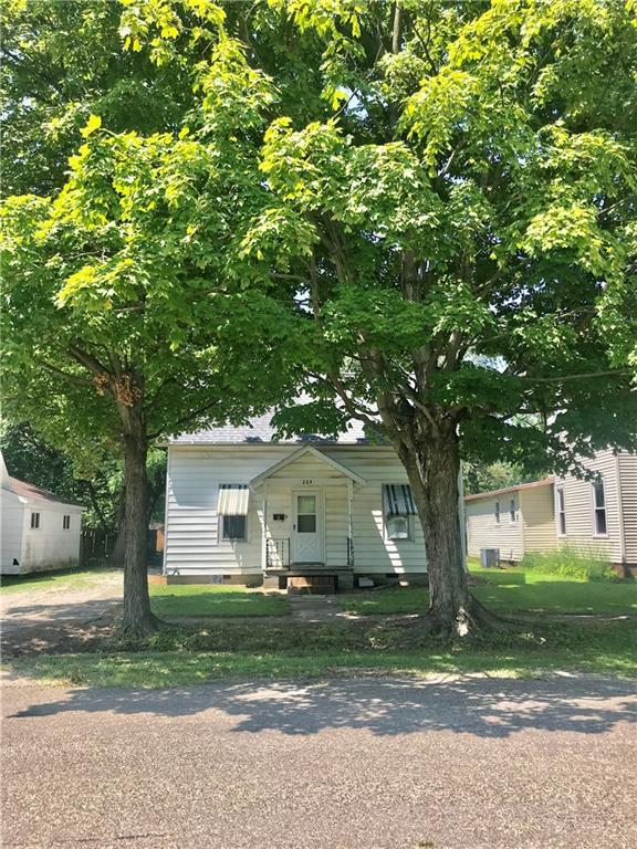 204 Saint Clair Street Property Photo 1