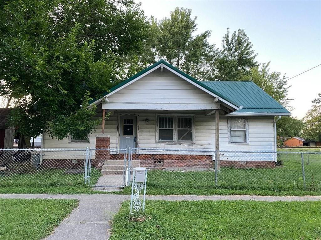 100 Washington Avenue Property Photo 1