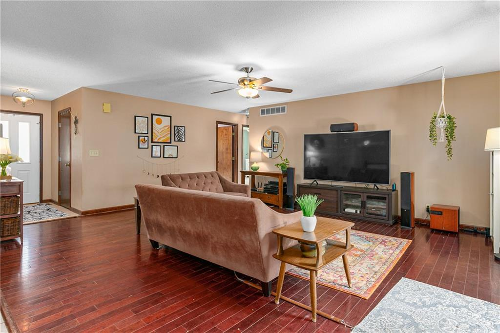 2208 Douglas Street Property Photo 3