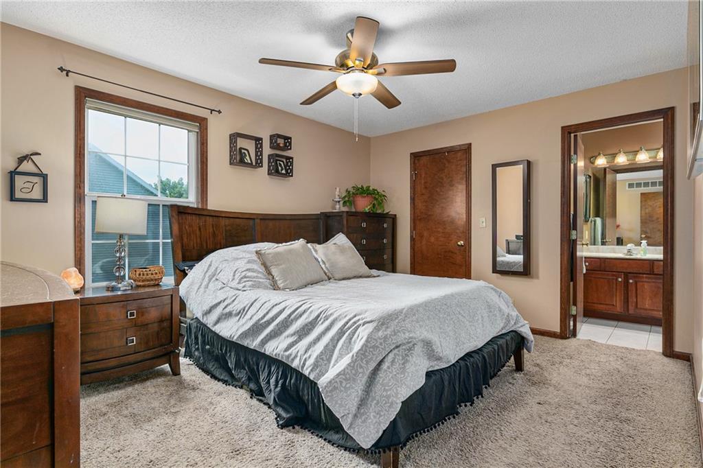 2208 Douglas Street Property Photo 12