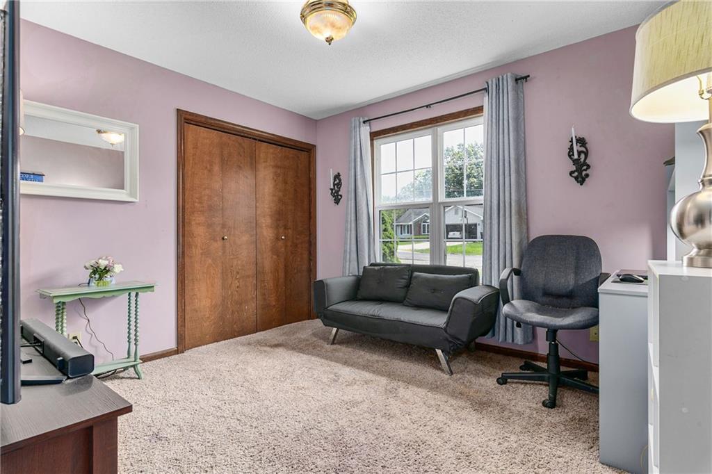 2208 Douglas Street Property Photo 16