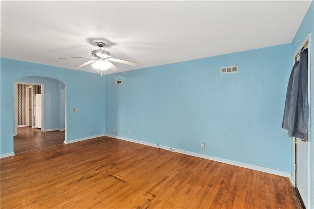 2301 Champaign Avenue Property Photo 2