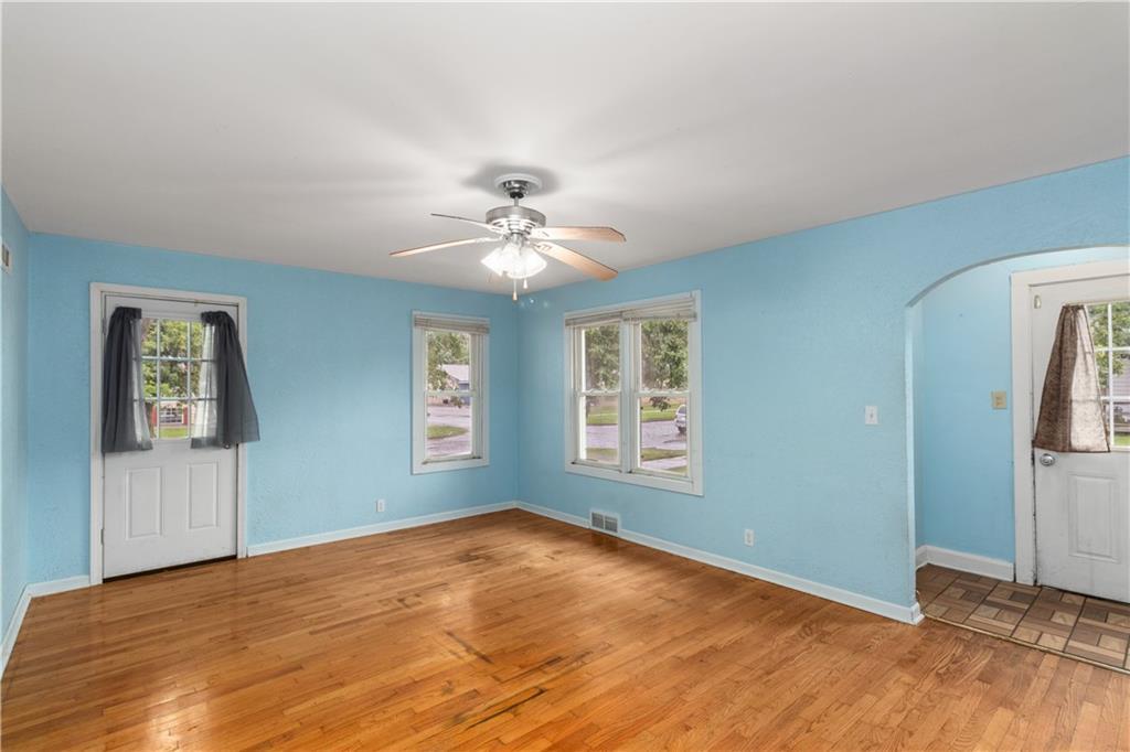 2301 Champaign Avenue Property Photo 4