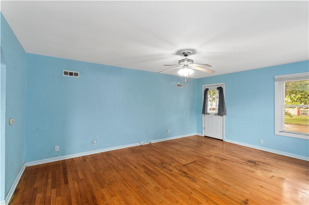 2301 Champaign Avenue Property Photo 5