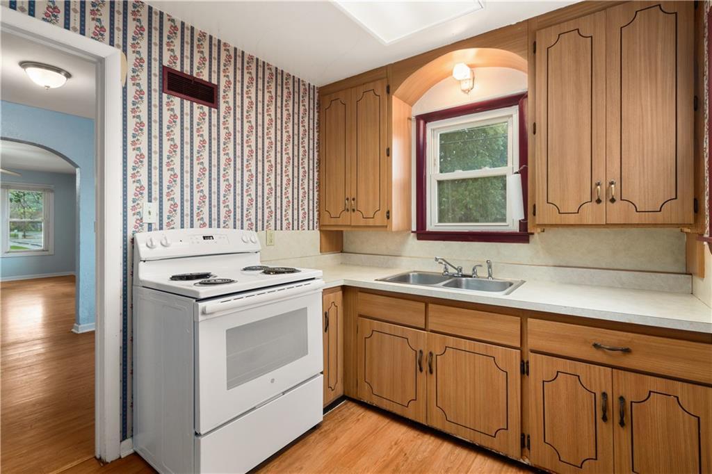 2301 Champaign Avenue Property Photo 6