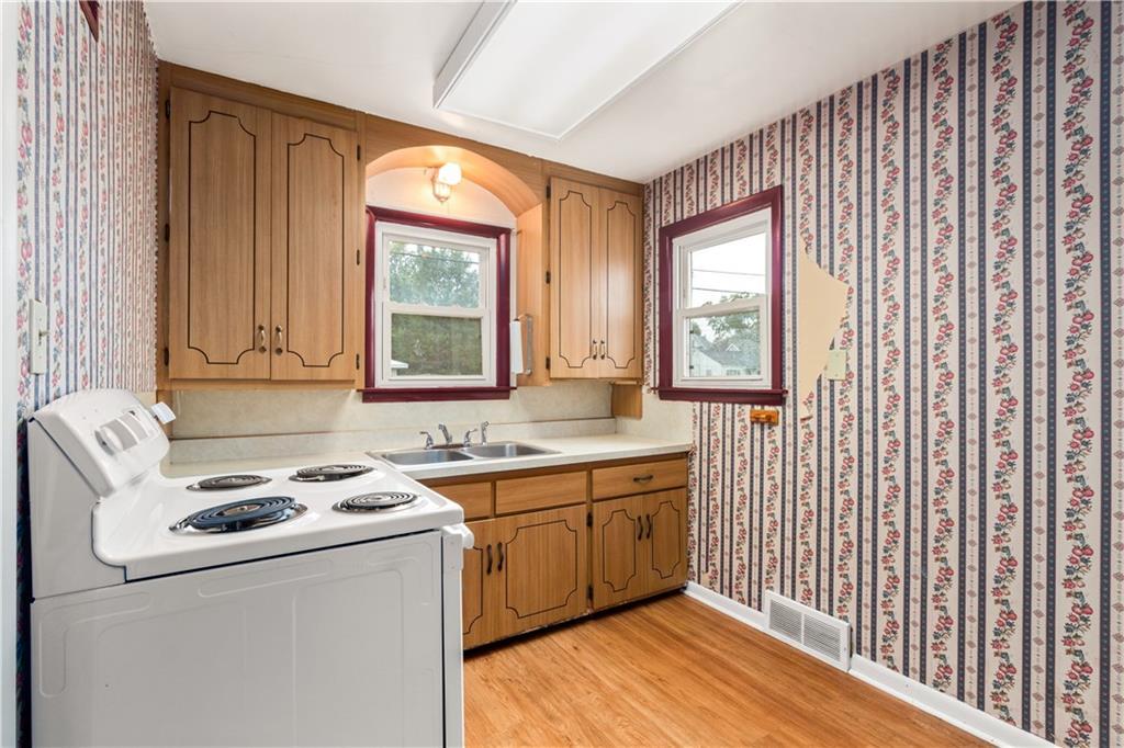 2301 Champaign Avenue Property Photo 7