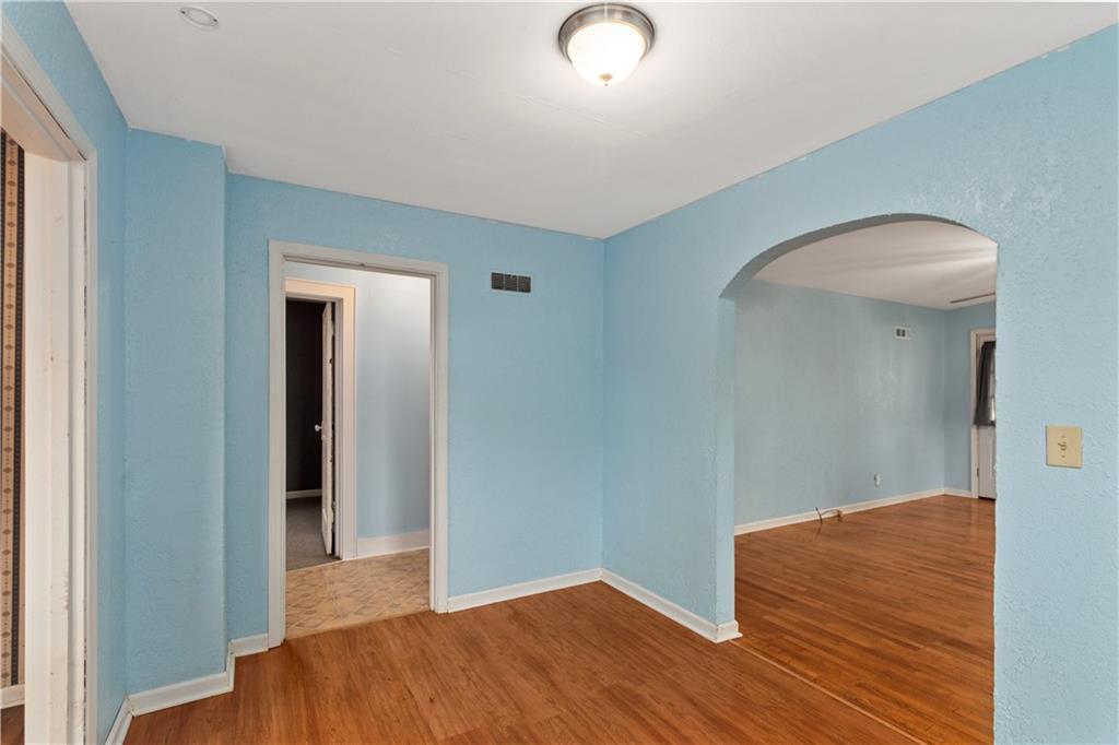 2301 Champaign Avenue Property Photo 9