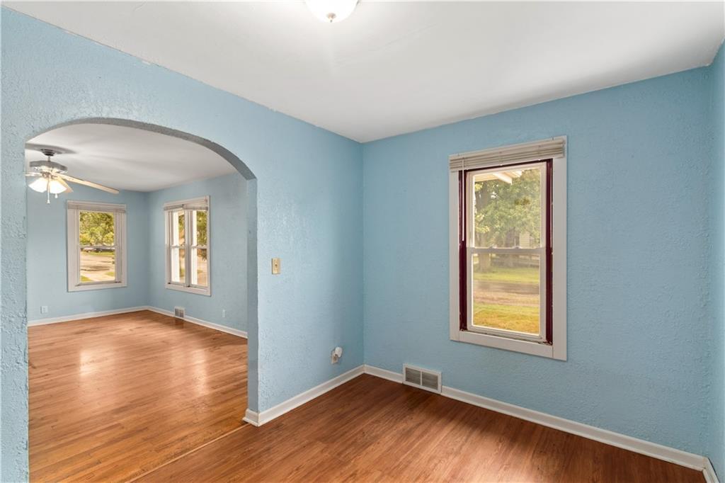 2301 Champaign Avenue Property Photo 10