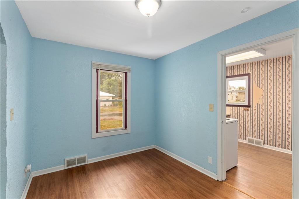 2301 Champaign Avenue Property Photo 11