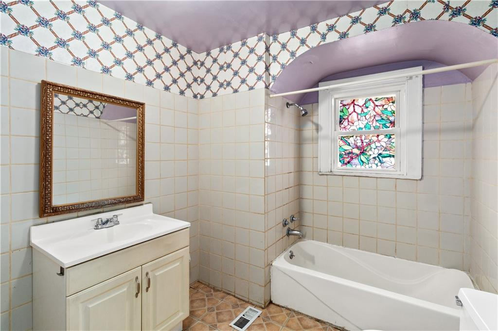 2301 Champaign Avenue Property Photo 15