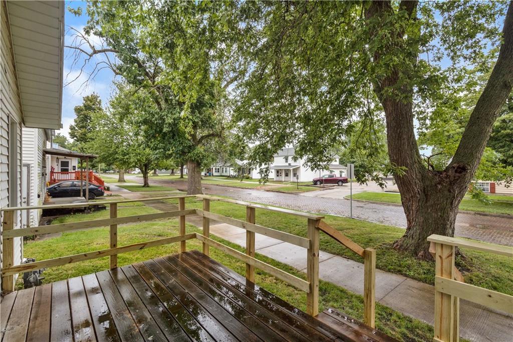 2301 Champaign Avenue Property Photo 17