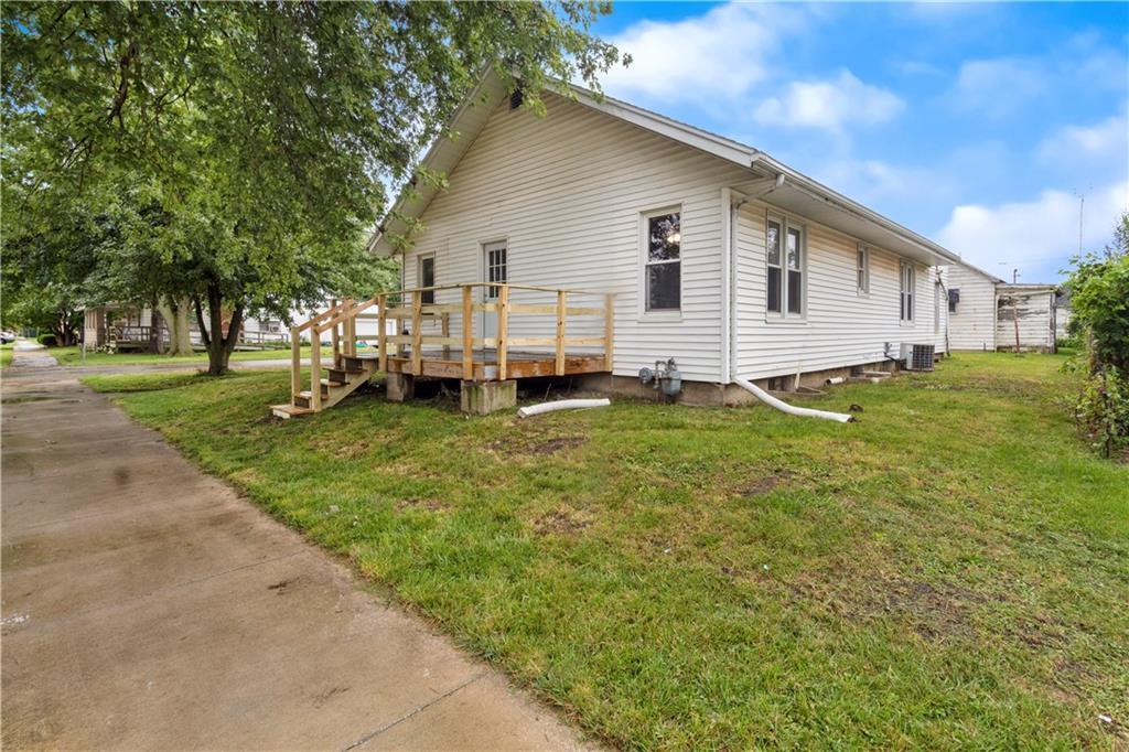 2301 Champaign Avenue Property Photo 19
