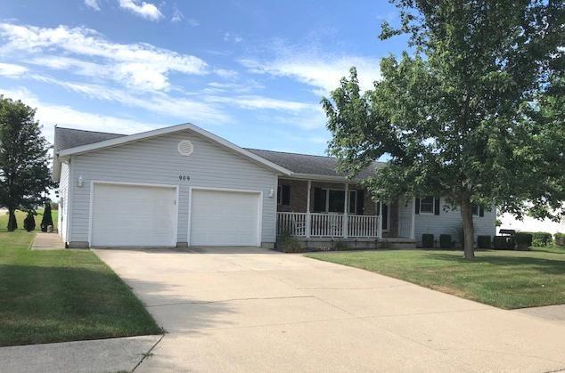 909 Ashwood Drive Property Photo 1
