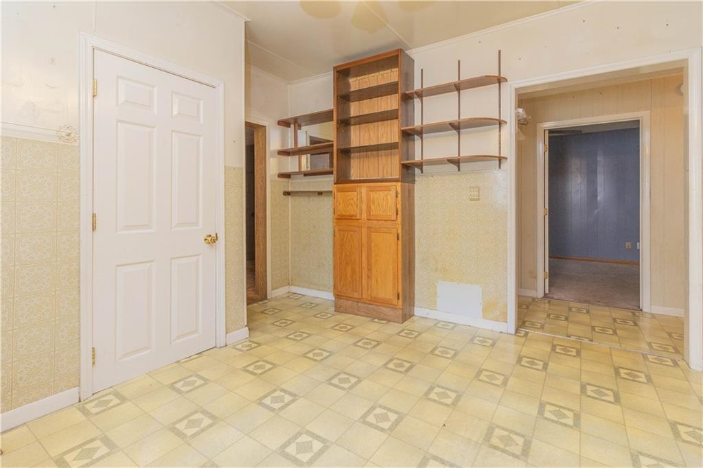 612 Lafayette Avenue Property Photo 9