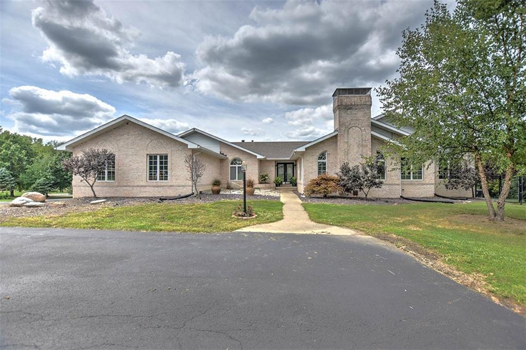 860 Wildwood Drive Property Photo 1
