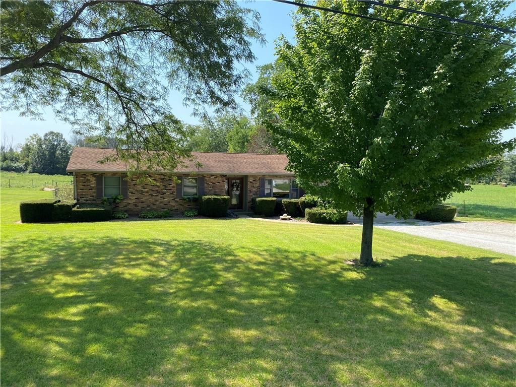 16750 2750 North Road Property Photo 1