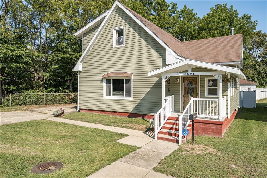 1608 Champaign Avenue Property Photo 1