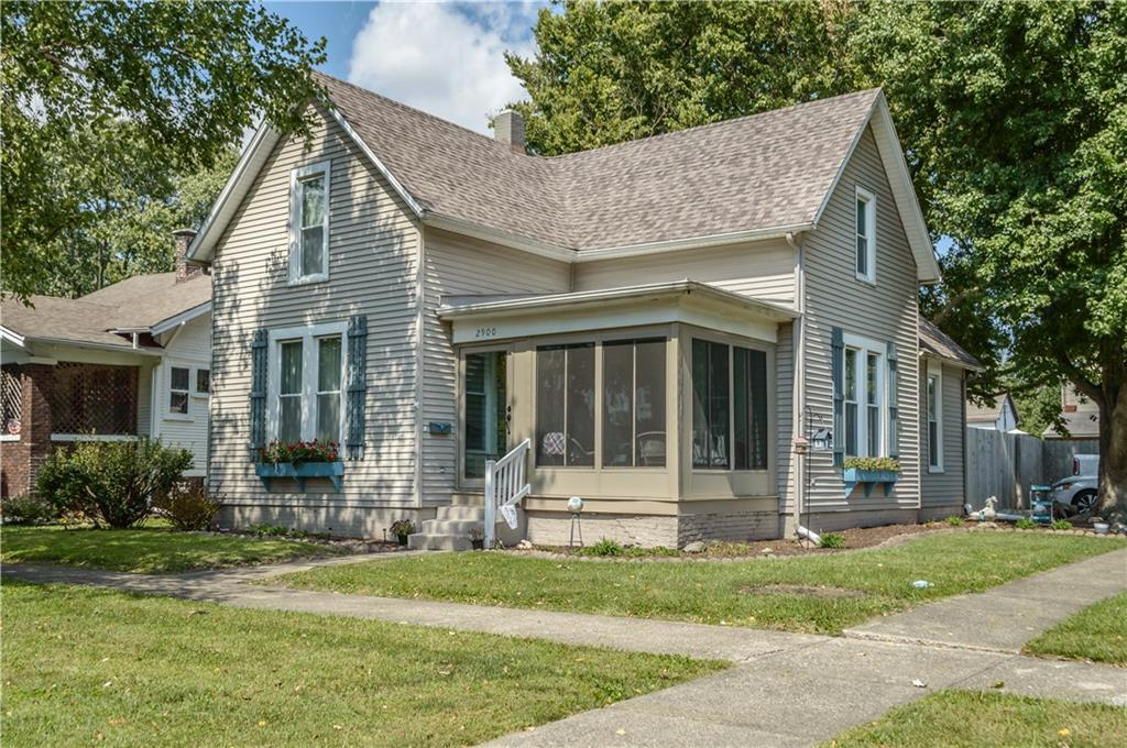 2900 Pine Avenue Property Photo 1