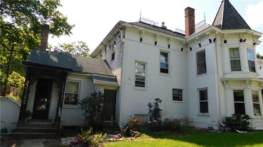 218 Jackson Avenue Property Photo 3