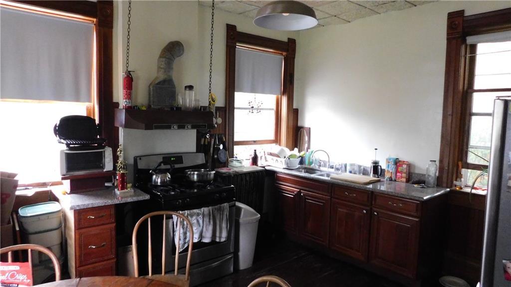 218 Jackson Avenue Property Photo 8