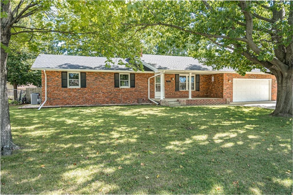 708 Oakwood Street Property Photo 1