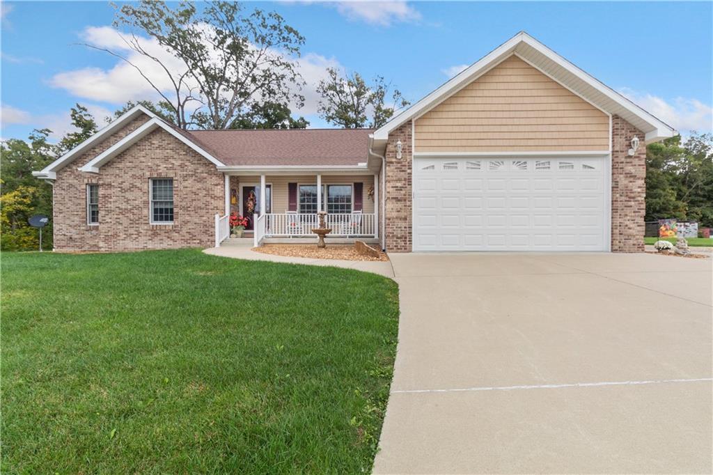 838 County Road 550 E Property Photo 1