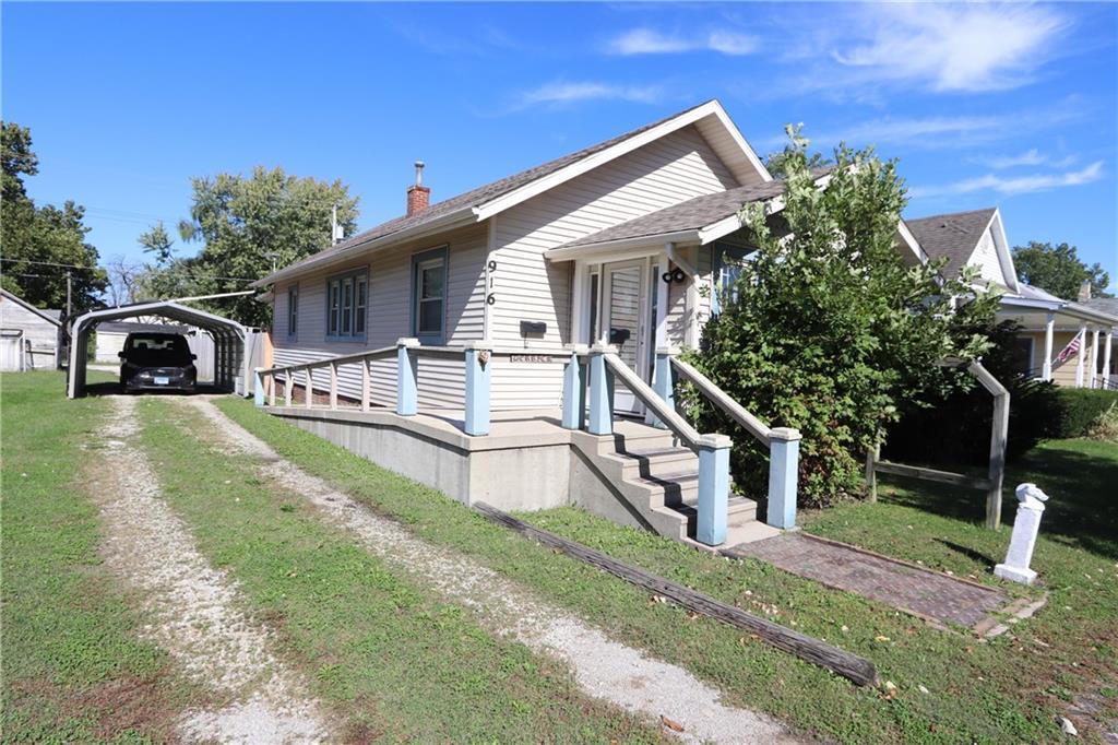 916 Broadway Avenue Property Photo 1