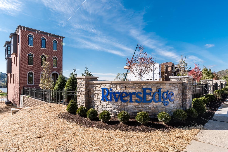 2431 Riverside Drive Property Photo 1