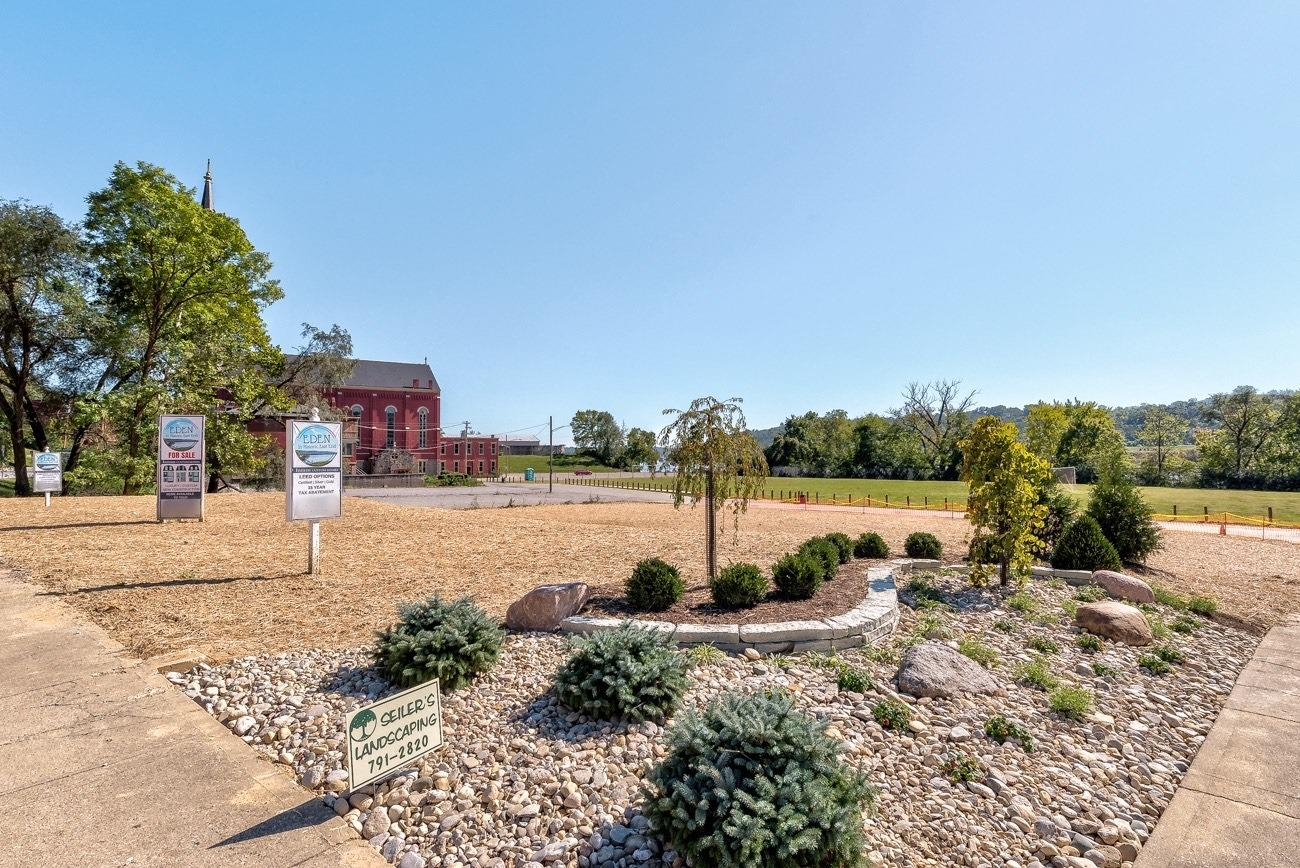 2485 Riverside Drive Property Photo 13