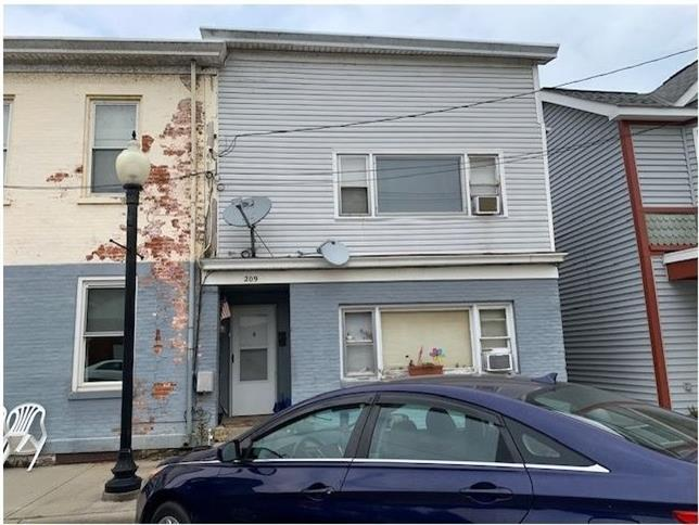209 Main Street Property Photo