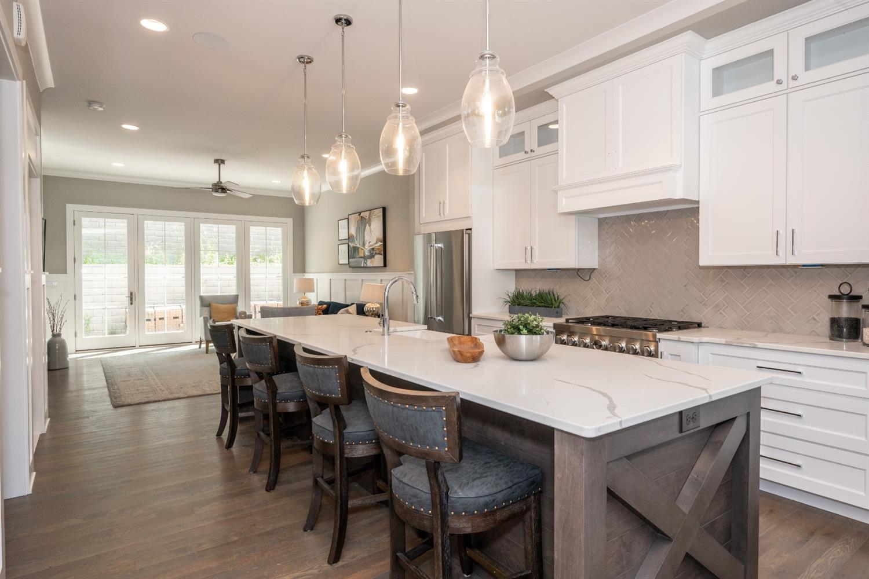 3226 Linwood Avenue Property Photo 8