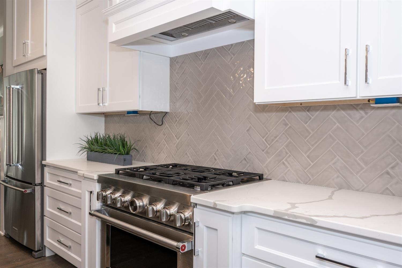 3226 Linwood Avenue Property Photo 12