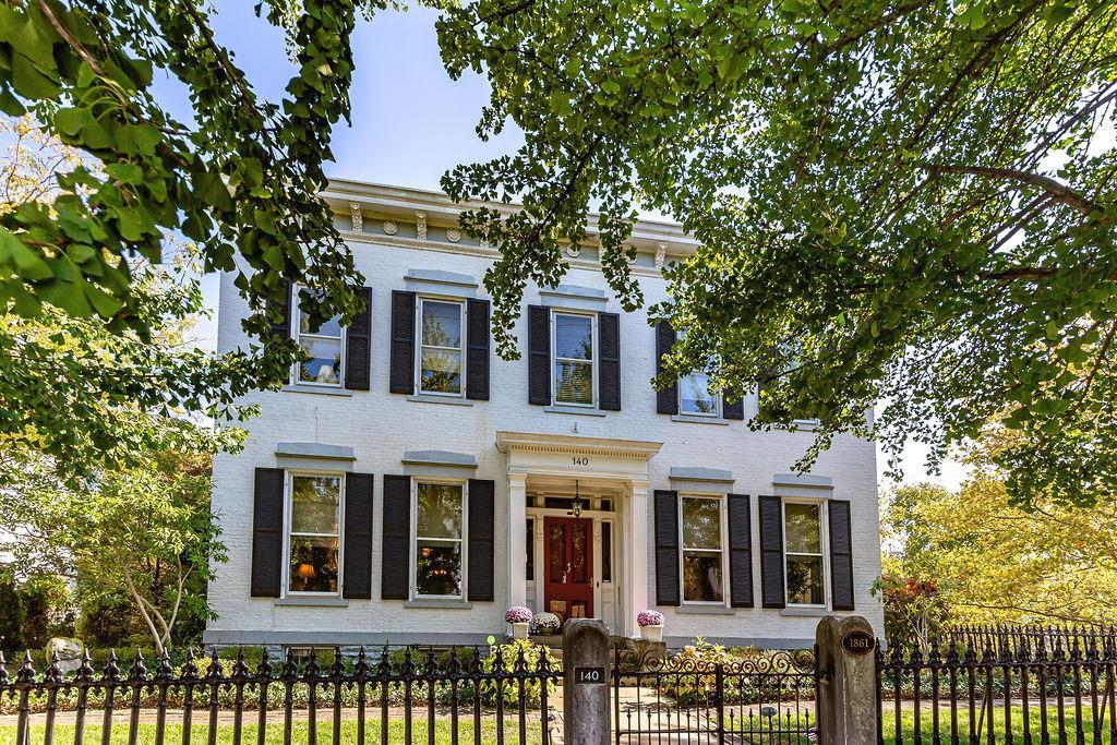 140 S D Street Property Photo 1