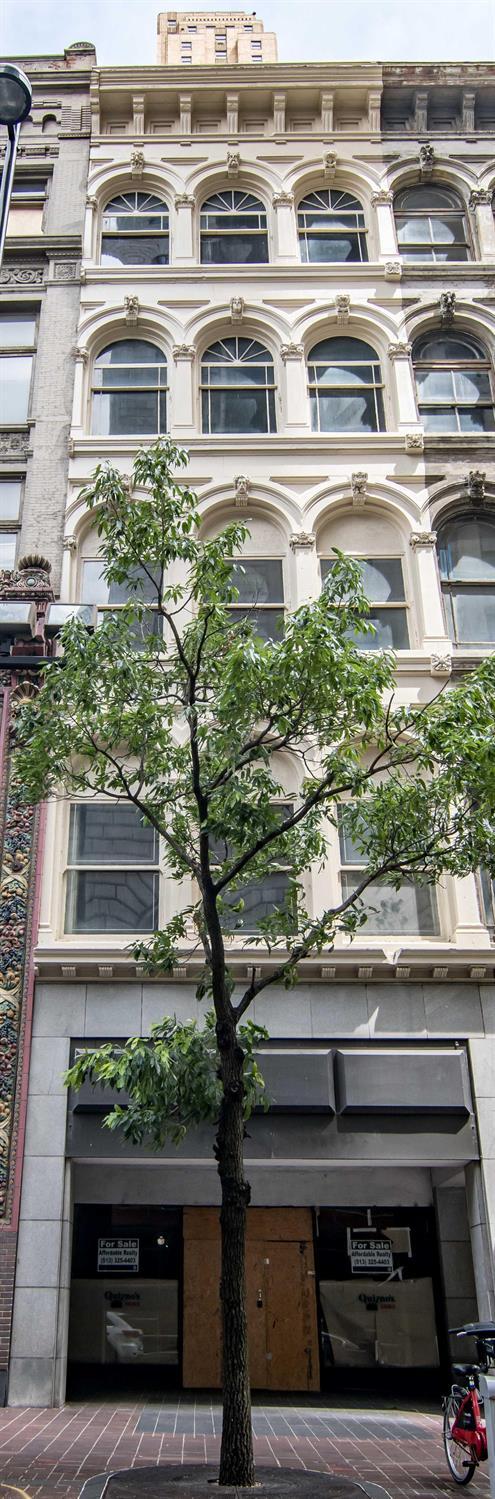 8 W Fourth Street Property Photo 1