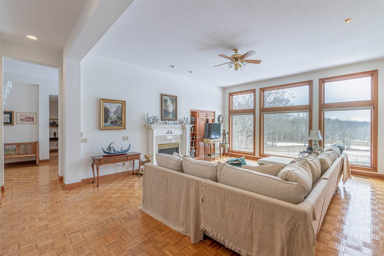 3695 W Franklin Street Property Photo 7