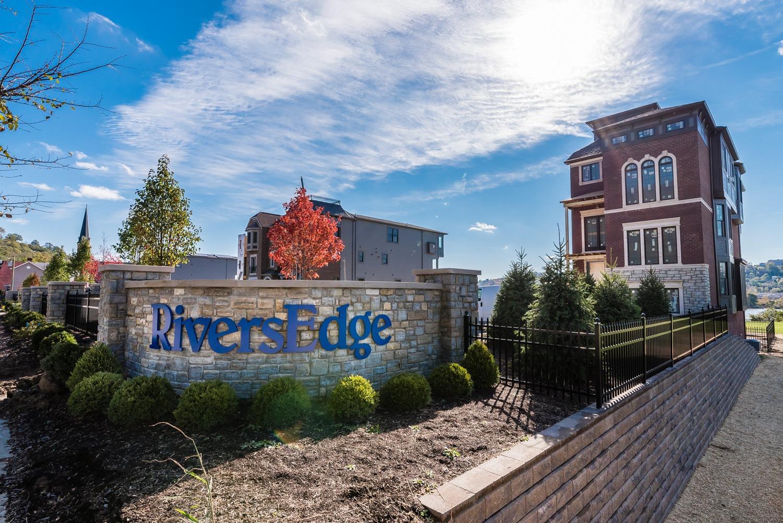 2427 Riverside Drive Property Photo 31