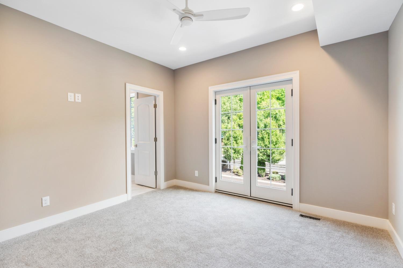 2433 Riverside Drive Property Photo 25