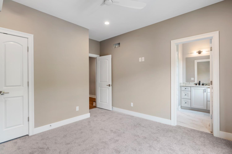 2433 Riverside Drive Property Photo 27