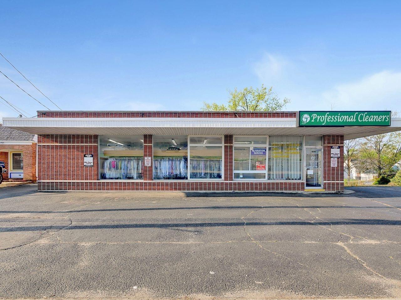 4041 E Galbraith Road Property Photo