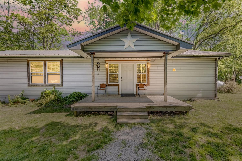 7345 Pondlick Road Property Photo