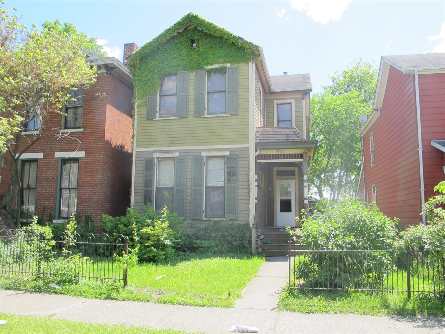 815 Campbell Avenue Property Photo