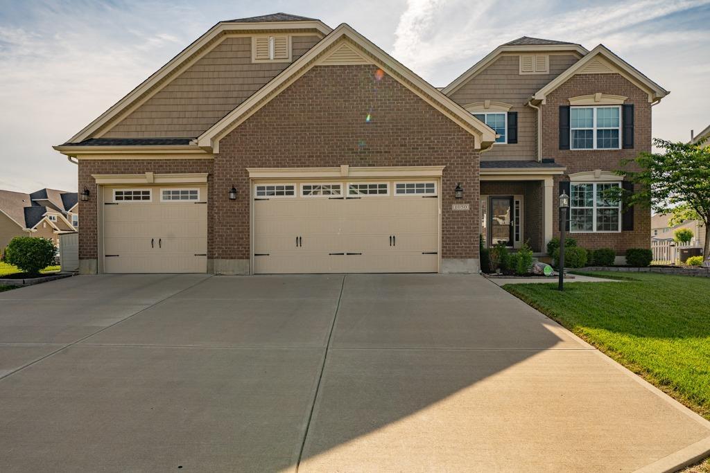 1050 Lakeside Street Property Photo 1