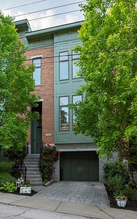 988 Paradrome Street Property Photo 1