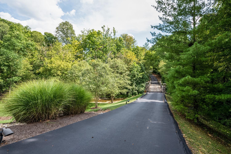 8020 Elbrecht Drive Property Photo 9