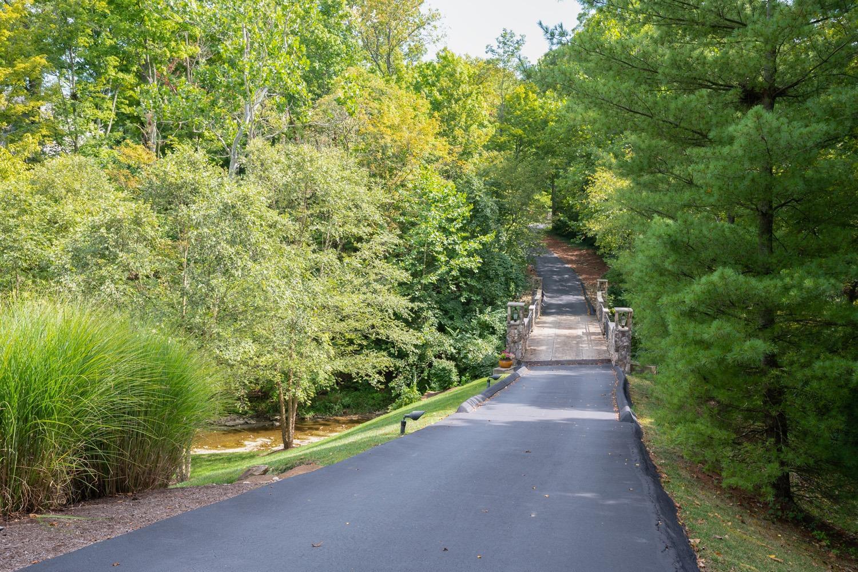 8020 Elbrecht Drive Property Photo 10