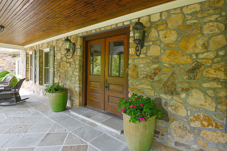 8020 Elbrecht Drive Property Photo 12