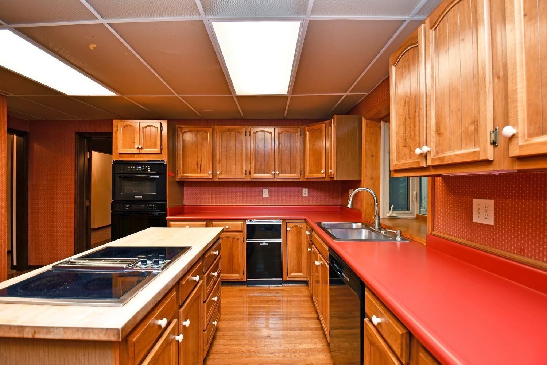 3384 Hickory Creek Drive Property Photo 6