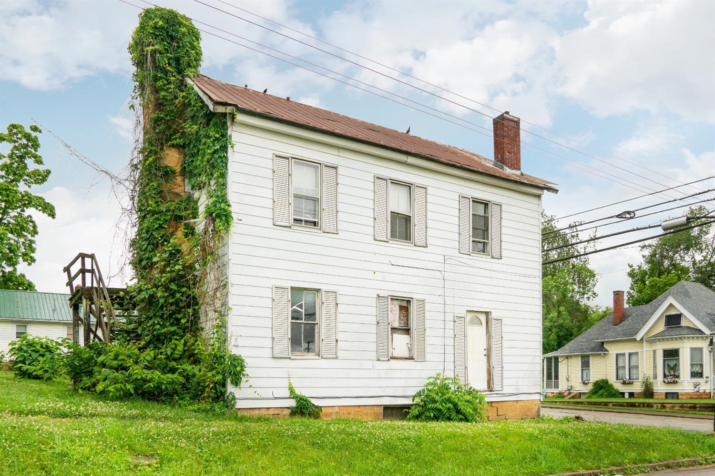 305 Walnut Street Property Photo